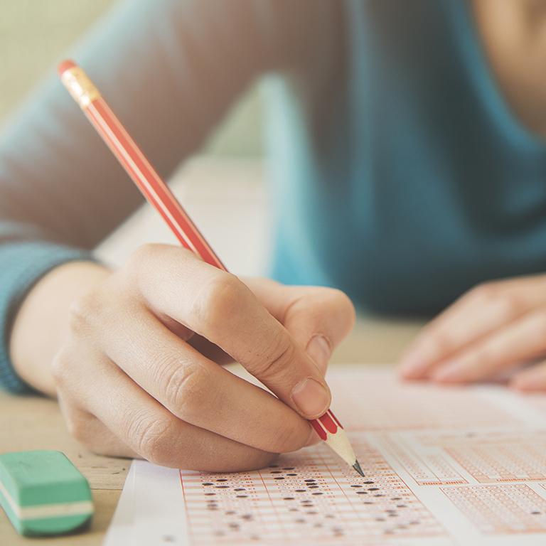 試験の攻略法をチェック!